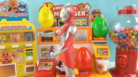 《橙子乐园在日本玩具》奥特曼丰盛的汉堡套餐 里面的蜜茶好好喝哦
