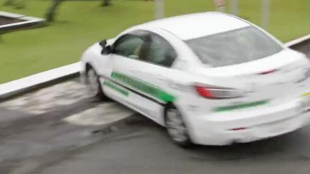 假面骑士Drive:Chase车技不错嘛!漂移停车很帅哦