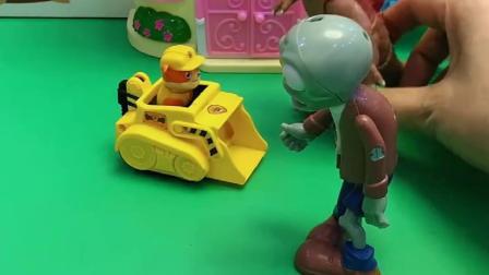 僵尸拦着小丽不让走,让小丽把车留下才能走,巨人僵尸来帮小丽