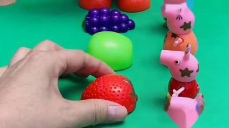 猪爸爸想吃的水果是一个一个的,是紫色的,吃起来酸酸甜甜的
