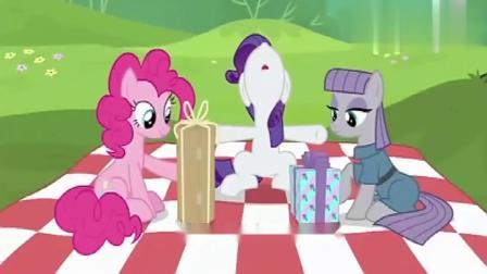 小马宝莉:捧场王非碧琪莫属,灰琪送她蛋糕纸,她还装作很开心!
