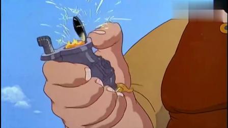 米奇和朋友们:米奇:原来巨人也会抽烟的,米奇还卷在里面呢