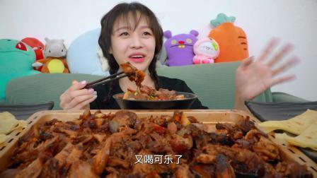 大胃mini吃肘子酱肉卷饼,一整盘吃完还不够,这次点少了!
