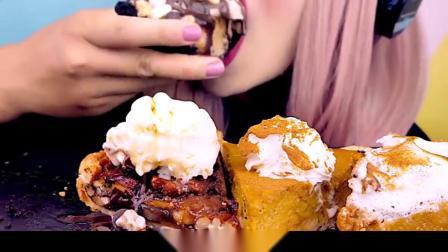 吃播小姐姐吃南瓜口味的蛋糕,加上巧克力和蜂蜜,香甜可口太美了!
