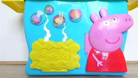 萌娃小可爱给哥哥做美味的蛋糕,小家伙可真是贴心呢!—萌娃:真好吃!
