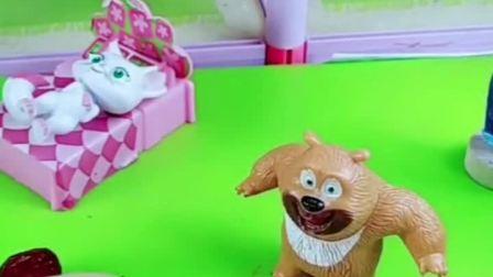 小月亮不想吃东西,熊二给小月亮做了巧克力葡萄干!