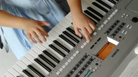 《粉刷匠》演奏者:三年级优秀学员刘梦霏