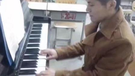 孟凡勇演奏雨的印记(钢琴曲)图片
