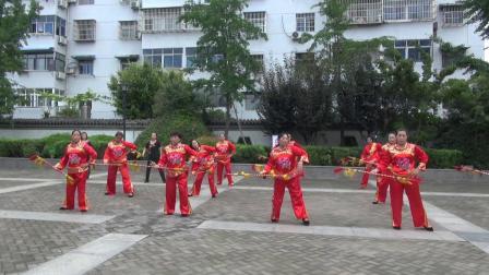 邳州市运河街道向阳社区《钱杆舞》表演片段 丁志红