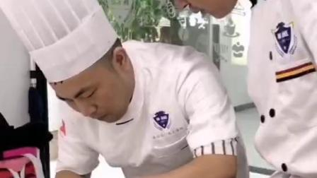 港焙浙江学西点的专业学校浙江学西点哪个学校好超好吃的爆浆蛋糕