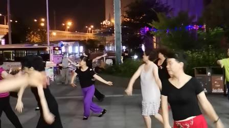 俏花旦………网红舞蹈。