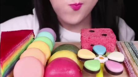 小姐姐吃播:五颜六色的甜品,又好看又好吃