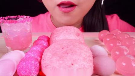 """韩国小姐姐吃播""""粉红食物雪球麻棉花糖果冻软糖巧克力蛋糕"""",听这咀嚼音,吃货欧尼吃得真馋人"""