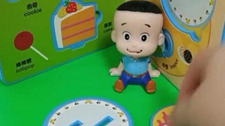 大头穿了小头爸爸一样的衣服,还做了蛋糕和牛排,大头说还是当小孩好!
