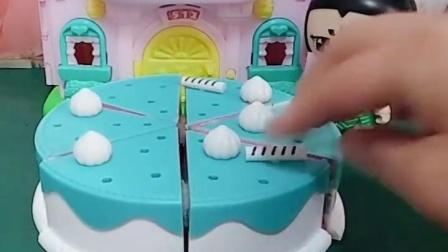亲子幼教宝宝育儿:胡芦娃亲手给爸爸做生日蛋糕