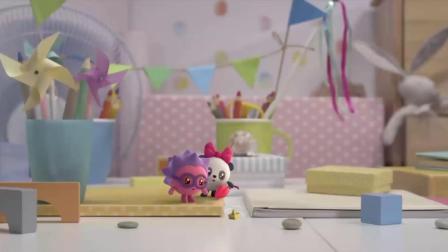 瑞奇宝宝:诺诺有一艘小船,真是太漂亮了,大家快来玩吧!