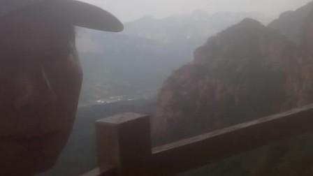 我站的位置是东太行。前面是武当山。石家庄王健老师的传奇故事。2020-09-1