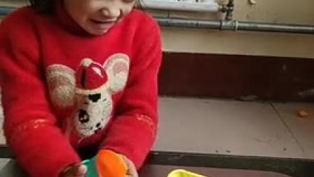 童年趣事:妹妹的球好看吗