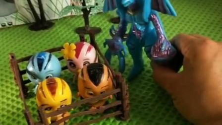 怪兽抓走了鸡宝宝,奥特曼救走了鸡宝宝!