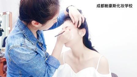 阿坝化妆学校学费多少,学多久可以做化妆师,鲍豪斯