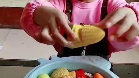 趣味童年:小萌娃想吃冰淇淋吗
