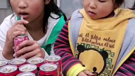 童年趣事:讨厌自私的姐姐,牛奶都不分给我喝!