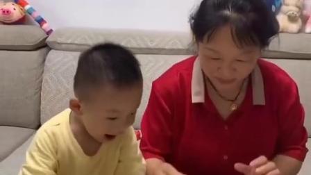 亲子游戏:小朋友们喜欢吃蛋糕吗?