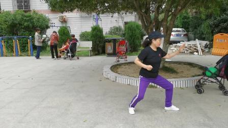 周春睸学生于2020年10I7日在温州示范42式太极拳。