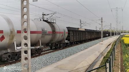 20200315 171311 (慢镜头拍摄)阳安线HXD2货列通过王家坎站
