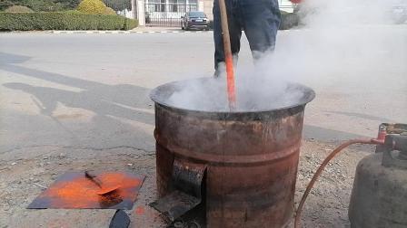 中医传统黑膏药制作工艺炼油下丹实录