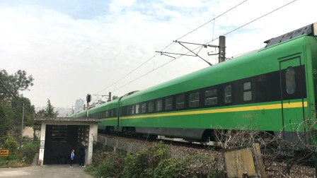 沪昆绕行线 D5491次通过杭州萧山老城区小南门段