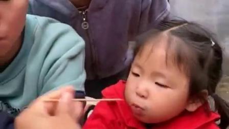 欢乐的童年:一人一个小西瓜