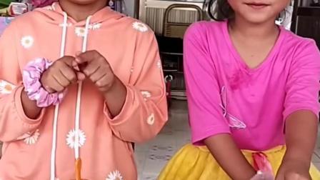 美丽的童年:姐姐买的雪糕,妹妹偷吃了