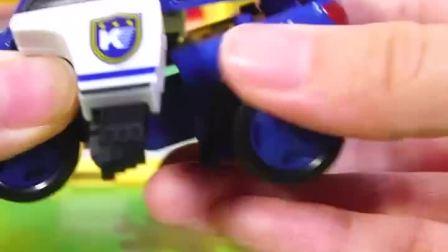 可变形的汽车玩具.
