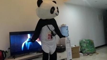 熊猫生日大使!送蛋糕跳舞