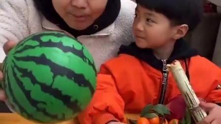 淘气的童年:妈妈,我想吃火龙果呀