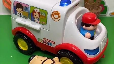 救护车出来巡逻了,怎么这多受伤的啊,你们说要把怪兽带上吗