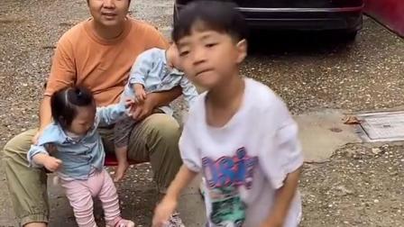 金色时光:宝宝跳手语舞,真可爱