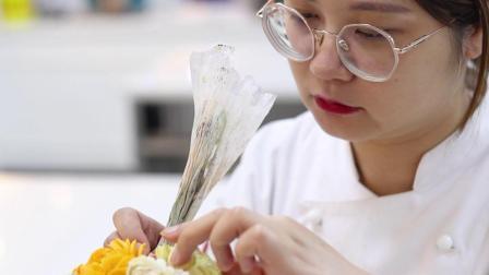 优美西点夏日甜品台-黄色裱花蛋糕