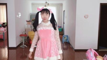 萌萌哒小萝莉麦郁珊今天变身粉色小兔子