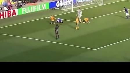 格罗索在2006年三次决定胜负,是意大利夺冠的最大功臣。#欧冠#足球#格罗索