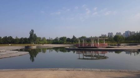 静水广场平静如水