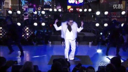 【猴姆独家】超震撼!PSY再度联手MC Hammer纽约跨年激情献唱神曲《江南Style》