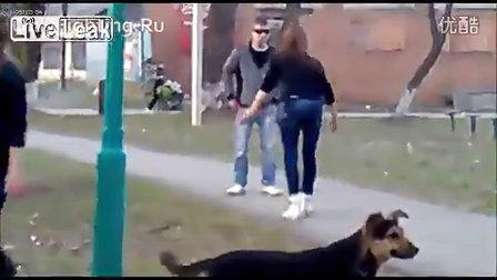彪悍的俄罗斯女人暴打瘦小伙