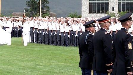 2013美国西点军校新生入学日大阅兵