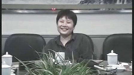 1997年,实力派歌手李娜在天门山采风时接受记者采访,一月后莫名出家--02