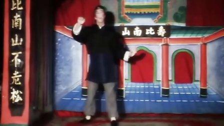 甄子丹早年在电影《笑太极》中的霹雳舞