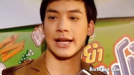 Bie  New YumYum 泡面采访