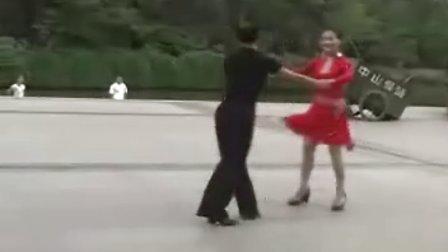 交谊舞-三步踩-月亮之上