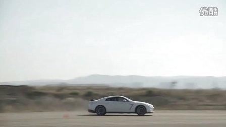廉价超跑 - 保时捷911Carrerra S 横向对比 2013日产GTR